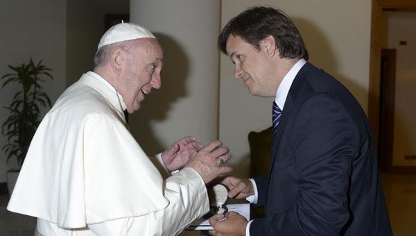 El Papa Francisco junto a Juan Pablo Simón Padrós, Presidente de ACDE.